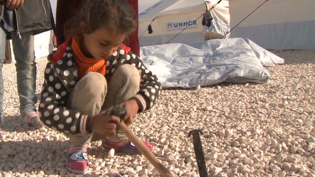 Syrian refugees set up camp, need aid
