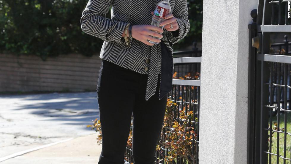 Katherine Heigl leaves her home in Los Feliz.