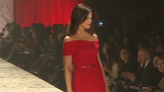 Soledad stuns in red for heart health