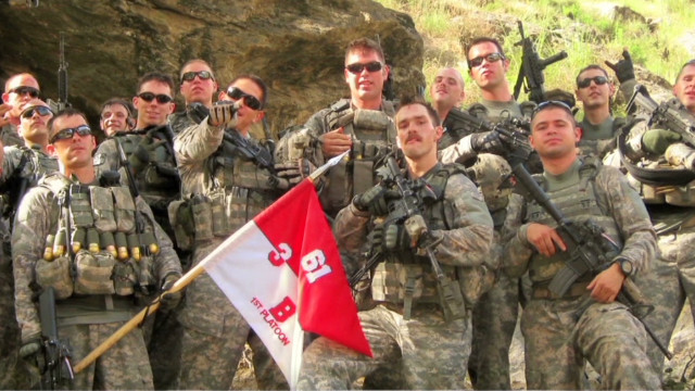 Soldiers relive fighting for survival
