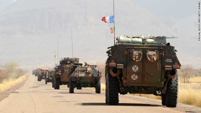 A convoy of French army vehicles head toward Gao, Mali, on February 7.