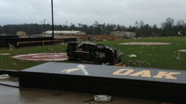 Tornado hits heart of Hattiesburg