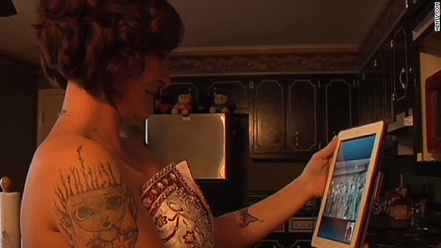 Military couple ties the knot on Skype