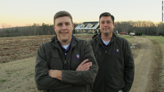 Dale Beatty, left, and John Gallina pooled their disability payments to help other veterans in need.
