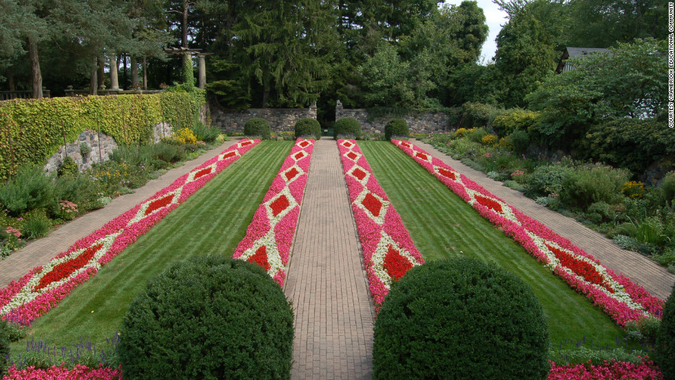 Cranbrook Gardens features a range of designs across its 40 acres, including formal, woodland and naturalistic gardens with fountains, streams and many different plantings.