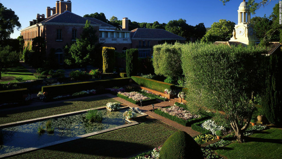 Although the house at Filoli was finished and ready for its owners in 1917, the extensive gardens were designed and built with the help of landscape designer Bruce Porter between 1917 and 1929.