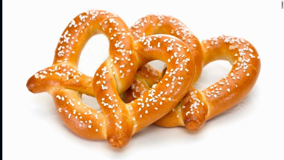 <strong>Best savory snack: Soft pretzel, no cheese</strong><br />Regal Cinema's Bavarian pretzel contains 480 calories -- less than most popcorns or candy boxes, but still more than enough snack to split with the person next to you. <br />Their pretzel bits are slightly better, with 370 calories -- without the cheese dipping sauce on the side. Soft pretzels are notoriously high in sodium, as well, so you may want to ask for one with less salt, or brush most of it off into a trash can before showtime.