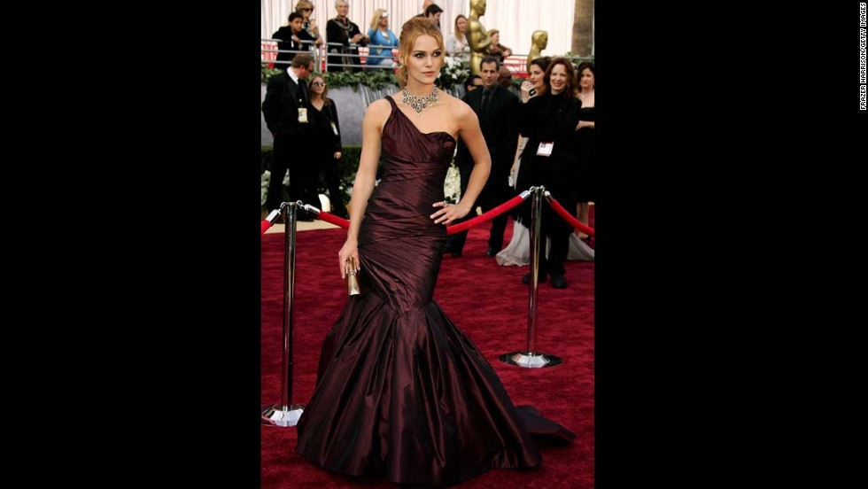 The plum Vera Wang gown that Keira Knightley wore in 2006 landed the actress on many best-dressed lists.