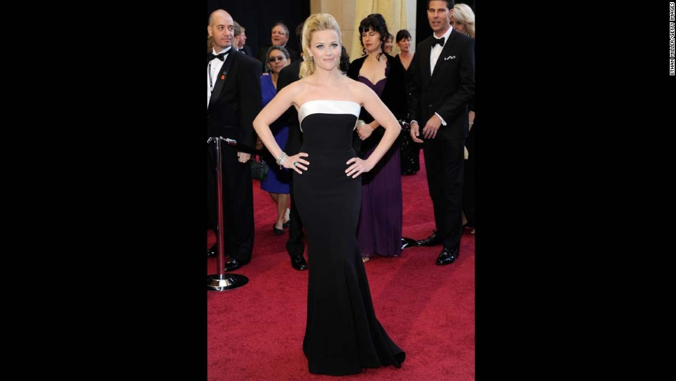 Reese Witherspoon wore another iconic black-and-white gown in 2011. She paired the Giorgio Armani Prive dress with Neil Lane jewels and a glamorous ponytail.