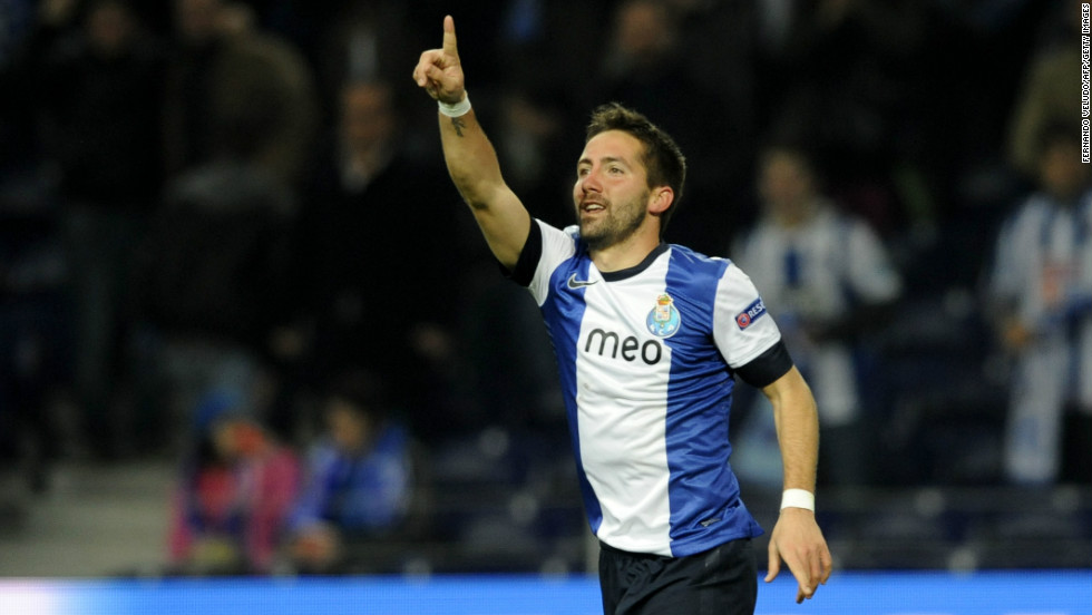 Last night, Porto was able to win their Champions League game against Malaga, after Portuguese midfielder Joao Moutinho scored a controversial goal in the 56th minute.Was his goal off-side?