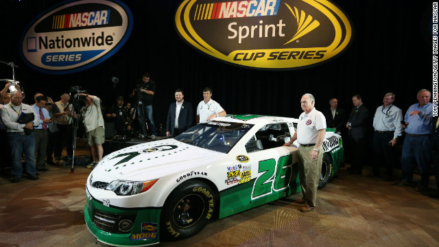 Waltrip's special edition car pays tribute to the victims of the Newtown, Connecticut, school shooting.