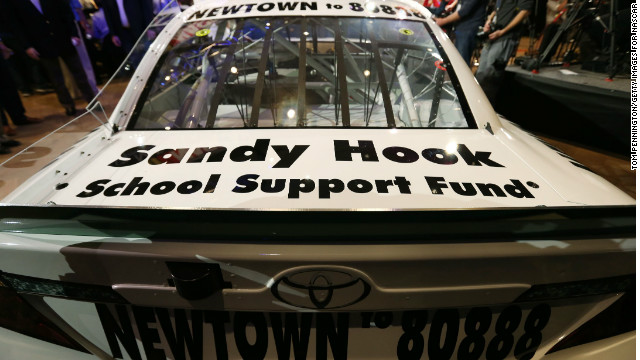 "A message will urge fans to text ""Newtown to 80888"" to make a $10 donation to the Sandy Hook School Support Fund."