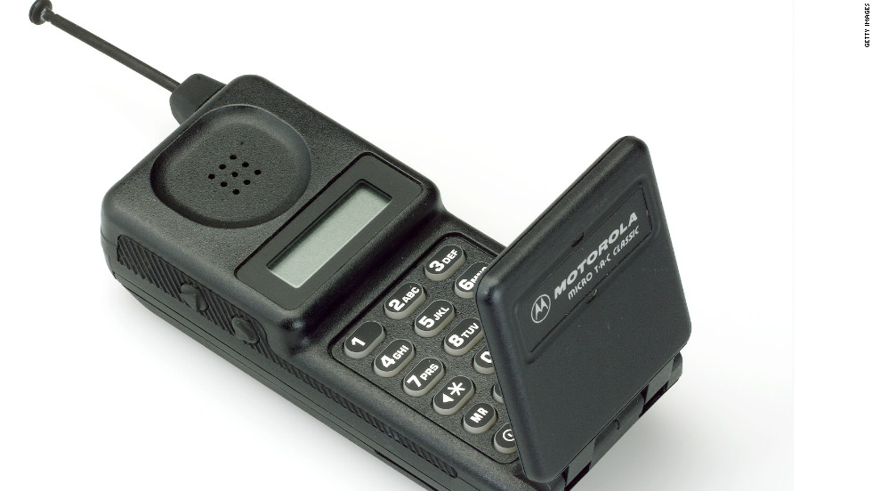 The Motorola MicroTAC Classic was released in 1991 and modeled after 1989's MicroTAC 9800x, which sold for up to $3,495.