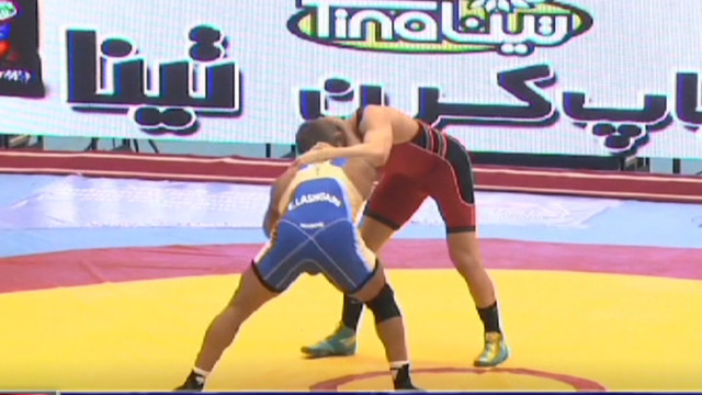U.S. wrestling team takes on Iran