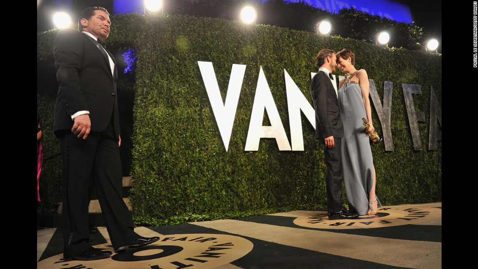 Anne Hathaway and Adam Shulman at the 2013 Vanity Fair Oscar party.