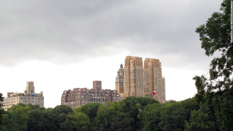 "Central Park, one of the most well-known urban parks in the world, may be the tree-peppered jewel in New York City's urban forest crown, but that's not the only green in the Big Apple. New York's mayor wants the city to plant <a href=""http://www.milliontreesnyc.org/html/newsroom/tree_fund_announces_partnership.shtml"" target=""_blank"">one million new trees by 2017</a>, which could increase the more than 2,000 tons of pollution the current trees remove each year."