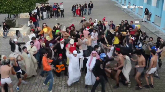 Protesters perform 'Harlem Shake'