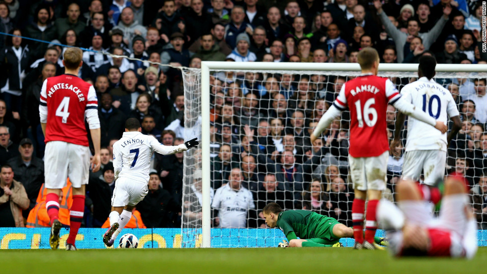 Aaron Lennon extended Tottenham's advantage just two minutes later when he stole in behind the defense before rounding Arsenal goalkeeper Wojciech Szczesny and rolling the ball into the empty net.