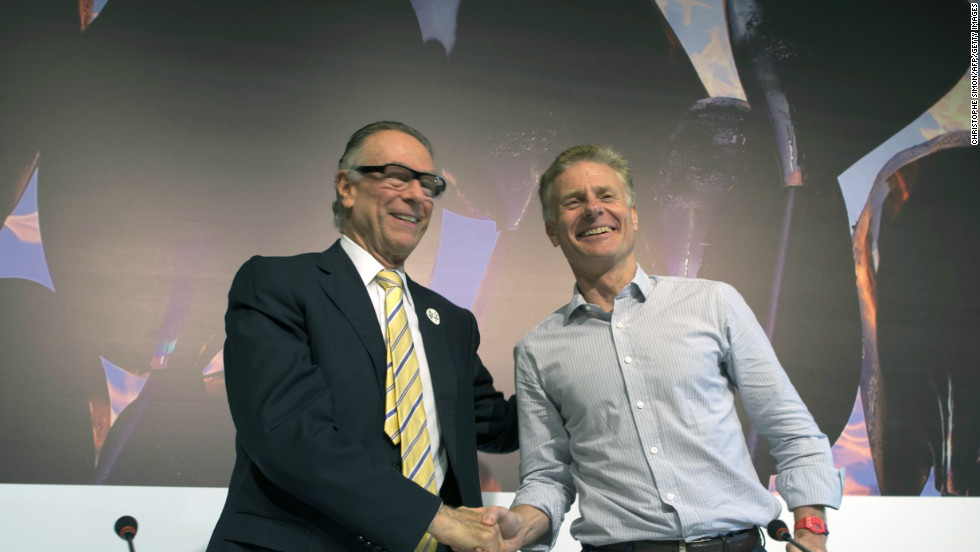 Carlos Arthur Nuzman (left), Brazilian Olympic Committee President and Rio 2016 Olympics Committee President, shakes hands with London 2012 Chief Executive Paul Deighton after delivering the IOC debriefing of the London 2012 Olympic Games for the foreign press in Barra de Tijuca, Rio de Janeiro, Brazil.
