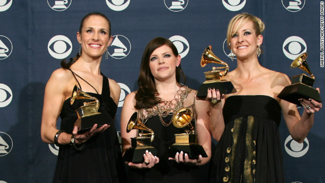 2006: Dixie Chicks on Bush criticism