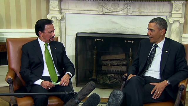 Obama jokes with Sultan of Brunei