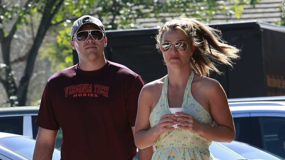 Britney Spears and a man go for a stroll in Thousand Oaks, California.