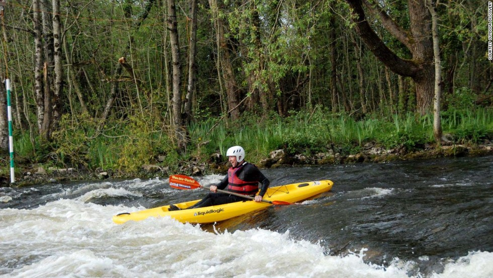 In addition to kayaking, the outfitter also offers canoeing, rafting, river tubing and some land-based adventures. The company offers activities all over the country, with headquarters in Ballymahon, County Longford and Clondalkin, County Dublin.