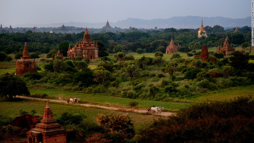 Bagan, the historic former capital of Burma, has thousands of Buddhist temples, pagodas and monasteries from when the Kingdom of Pagan was at its height, from the 11th to the 13th century.