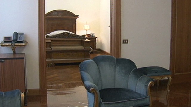 Pope turns down spacious apartment