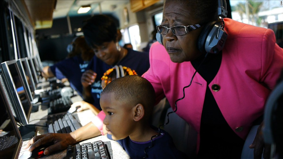 'Brilliant Bus' shrinking digital divide