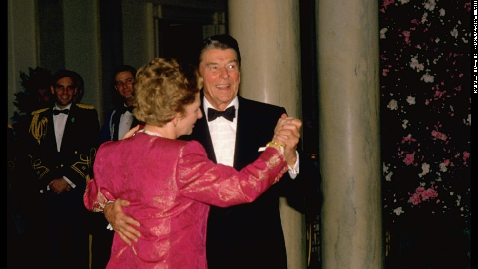 The two world leaders dance during a White House state dinner in November 1988.