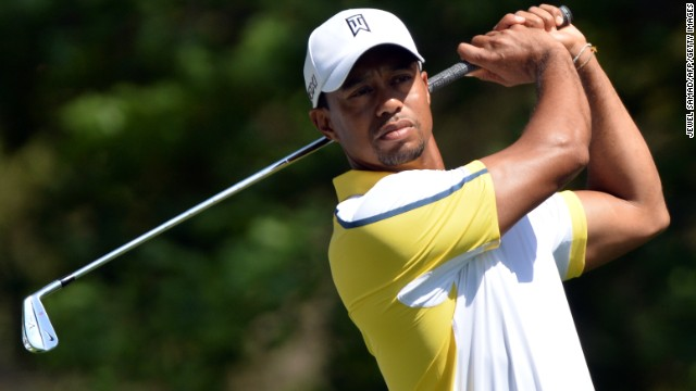 Woods tweets about losing two strokes