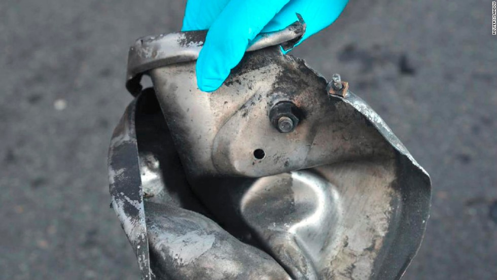 "On Wednesday, April 17, a federal law enforcement source with firsthand knowledge of the investigation told CNN that a lid to a pressure cooker -- thought to have been used in the bombings -- had been found on a roof of a building near the scene. <a href=""http://www.cnn.com/2013/04/17/us/gallery/boston-evidence/index.html"">It was one of several pieces of evidence authorities found</a>."