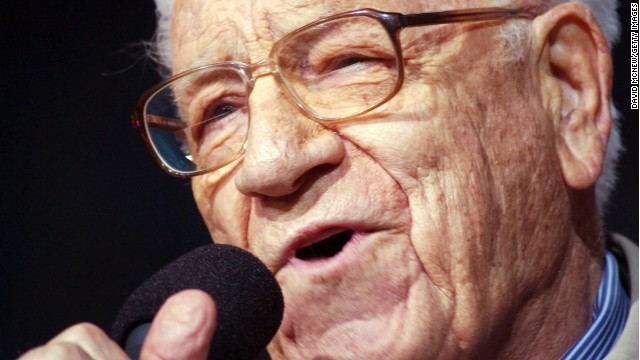 "George Beverly Shea sings ""How Great Thou Art"" to 54,000 people at a Billy Graham crusade in 2003."