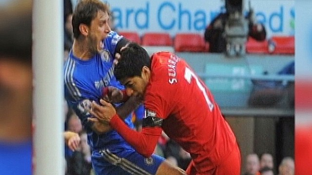 Liverpool stands by biting Suarez