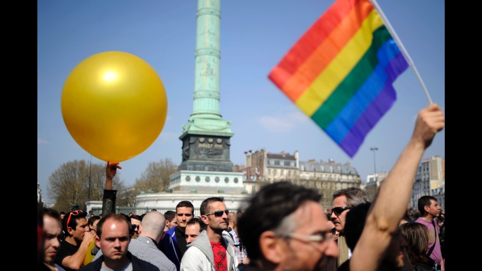 Thousands of people gather in support of the bill in Bastille Square on Sunday.