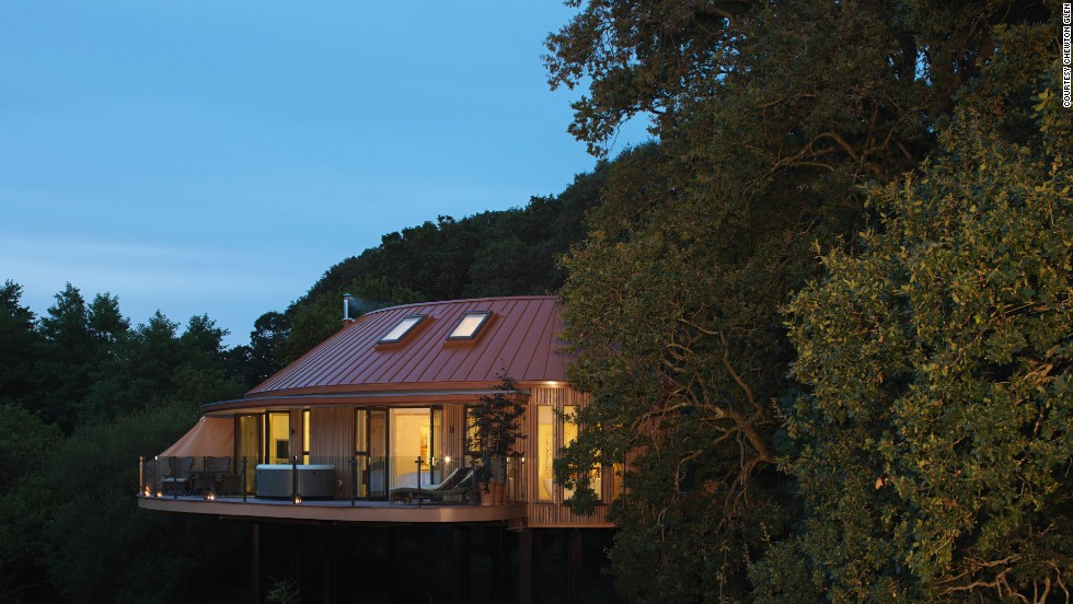 Each of the six private tree-houses at Chewton Glen in the English countryside has two stately suites.