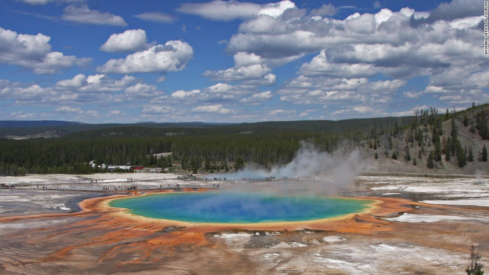 For sheer diversity, Yellowstone National Park is among the world's great natural wonders. Contained within a 9,000-square-kilometer chunk of Wyoming, the world's first national park contains half of the globe's known geothermal features, and is home to an equally impressive array of wildlife including grizzlies, wolves and bison.