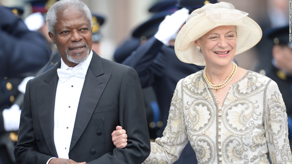 Former U.N. Secretary General Kofi Annan and his wife Nane leave the investiture ceremony.