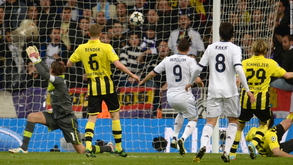 Substitute Karim Benzema finally made the breakthrough in the 82nd minute when he slotted home Ozil's pass from close-range to make it 1-0 on the night and 2-4 on aggregate.