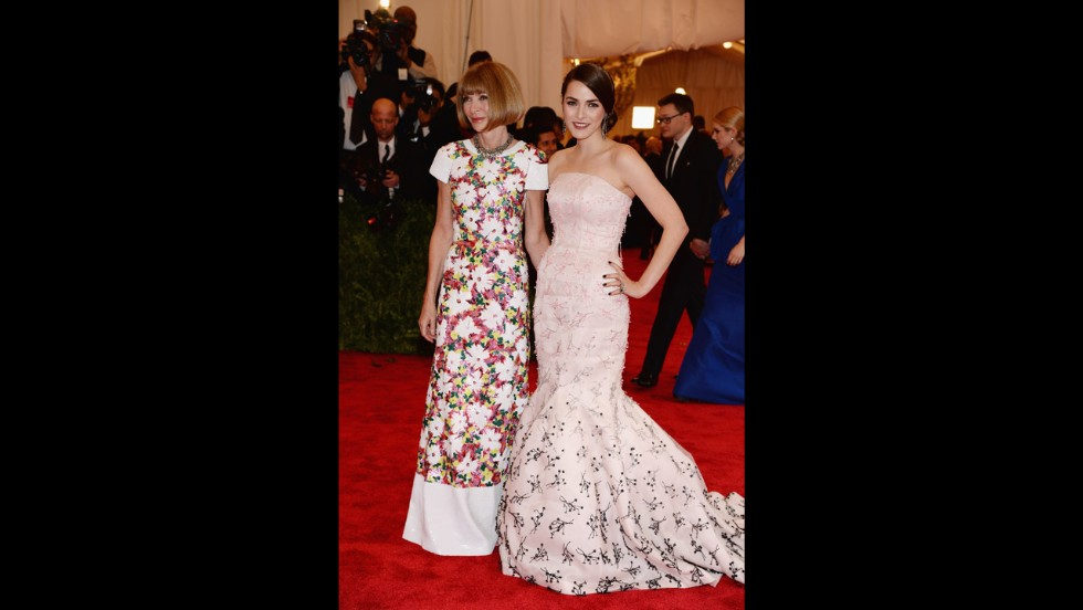 Conde Nast Artistic Director Anna Wintour and her daughter Bee Shaffer attend the gala.