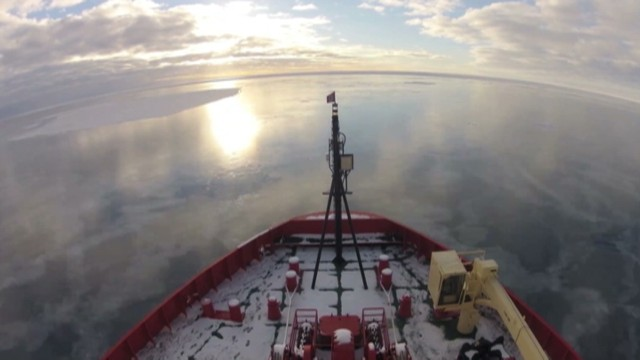 Time-lapse: Breaking ice in Antarctica