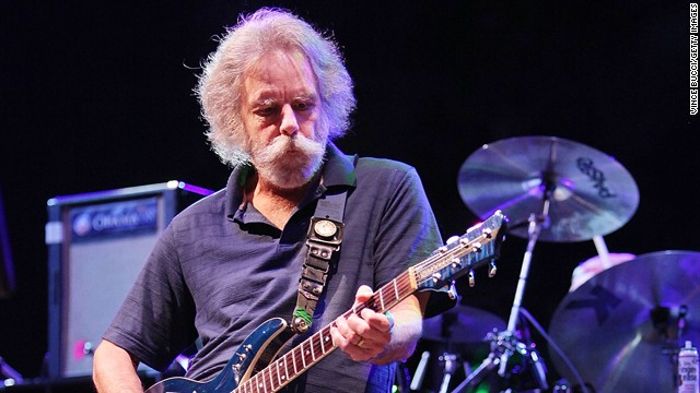 Bob Weir is so sexy he can share the women. (And the wine.)