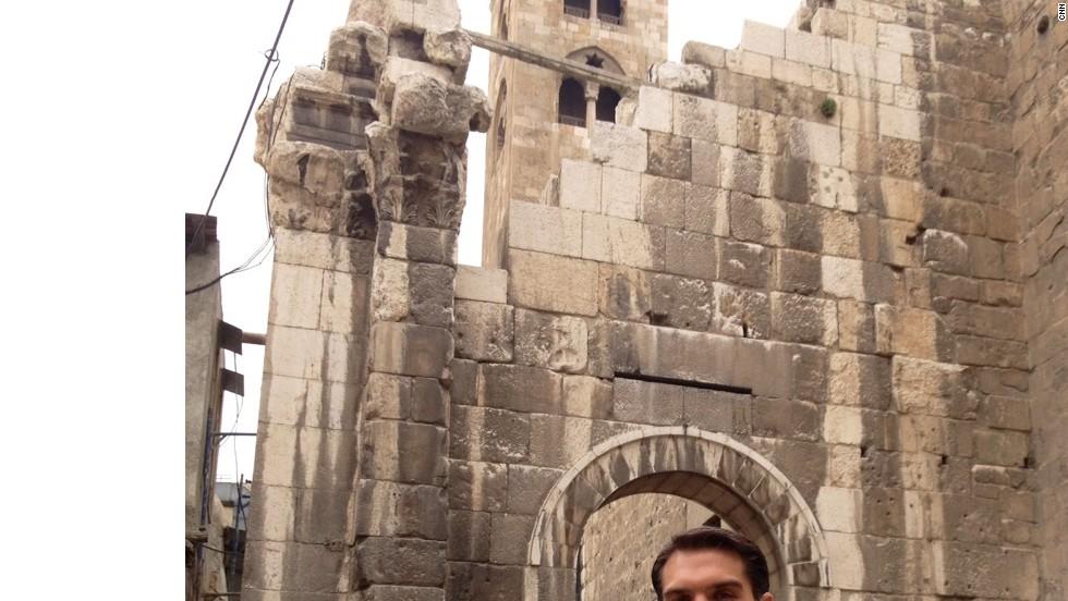 CNN correspondent Frederik Pleitgen in Damascus old town.