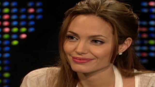 CNN archives: Jolie on her mom's cancer