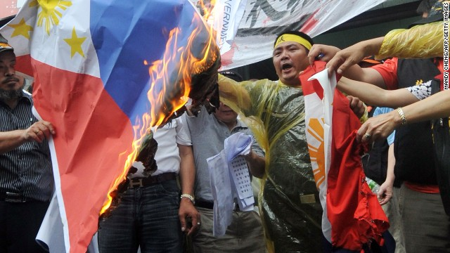 Taiwanese fishermen protest in Taipei on May 13, 2013 against the killing of a local fisherman by Philippine coastguards.