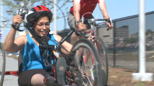 Paralympic medalist helps Boston victims