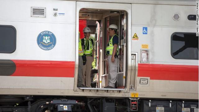 Train derails in Connecticut