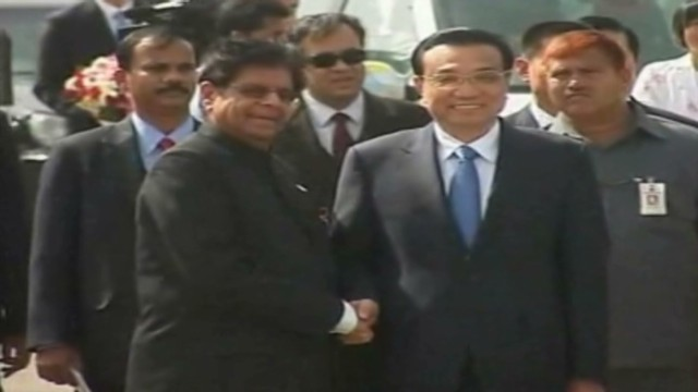Chinese premier goes to India