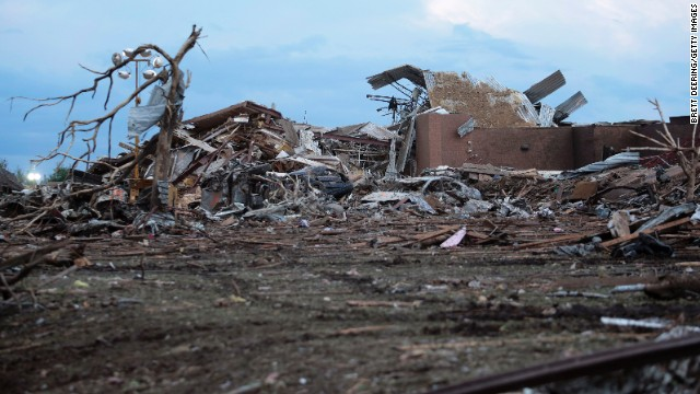 Scam artists target tornado victims